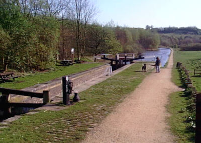 Roaches Lock, Mossley